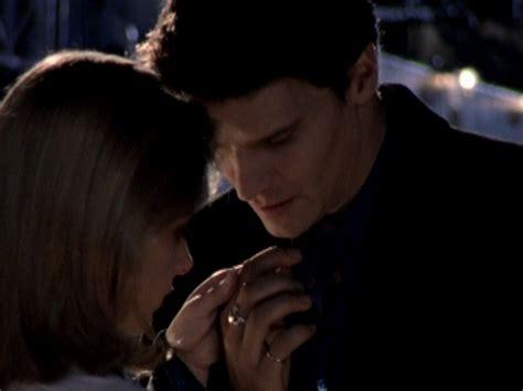 Angel presents Buffy with a Claddagh ring.